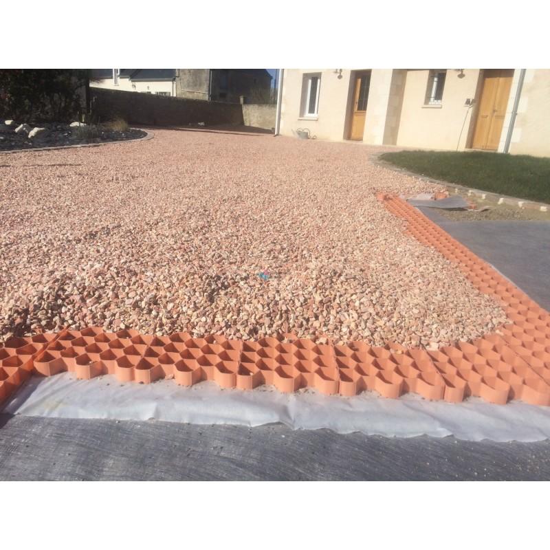 Stabilisateur de graviers 2 9 cm nidagravel for Terrasse en gravier concasse